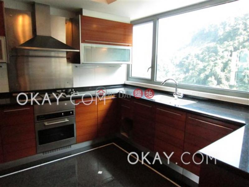 Exquisite 3 bedroom with balcony & parking   Rental   Branksome Crest Branksome Crest Rental Listings