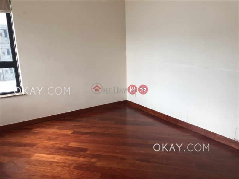 HK$ 60,000/ month, The Arch Sky Tower (Tower 1) Yau Tsim Mong | Rare 3 bedroom with harbour views & balcony | Rental