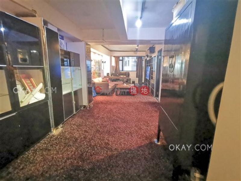 Luxurious 1 bedroom on high floor with rooftop | Rental | 134 Caine Road 堅道134號 Rental Listings