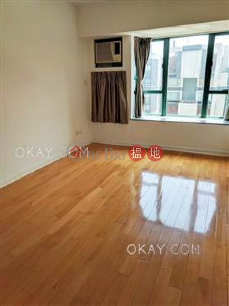 HK$ 10.88M   Discovery Bay, Phase 13 Chianti, The Premier (Block 6),Lantau Island Unique 3 bedroom in Discovery Bay   For Sale