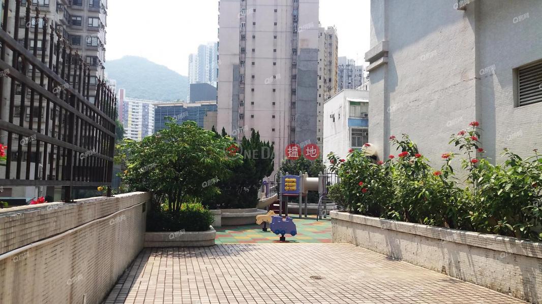 HK$ 23,000/ month   To Li Court ( Tower 3) Ying Ga Garden   Western District To Li Court ( Tower 3) Ying Ga Garden   3 bedroom Low Floor Flat for Rent