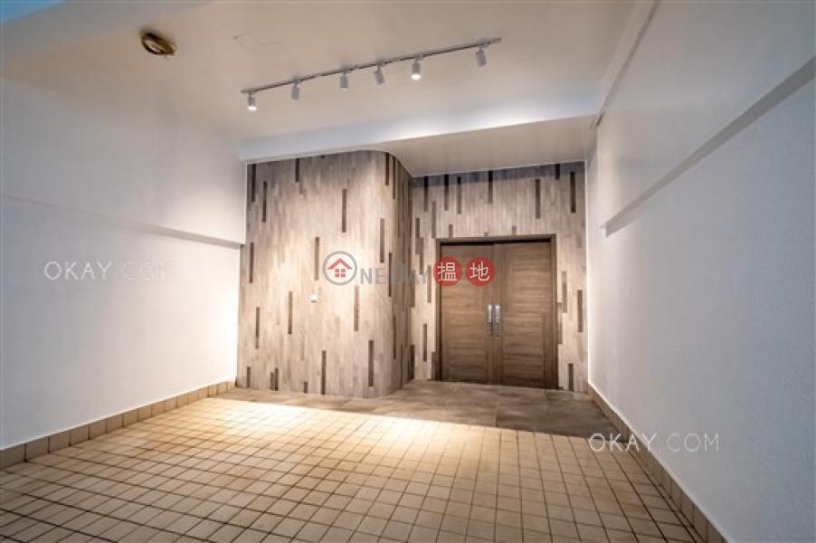 HK$ 128,000/ 月碧荔花園-西區5房3廁,可養寵物,連車位,獨立屋《碧荔花園出租單位》