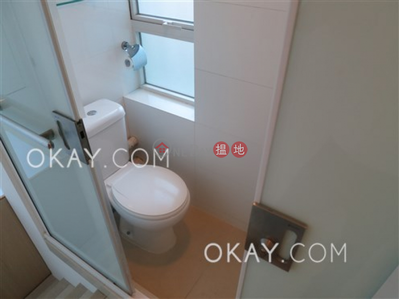 Unique 3 bedroom with balcony | For Sale, 18 Conduit Road 干德道18號 Sales Listings | Western District (OKAY-S75578)