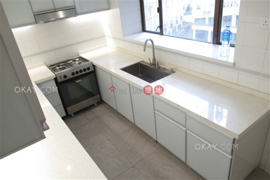 Lovely 3 bedroom with parking | Rental 31 Kennedy Road | Wan Chai District | Hong Kong | Rental | HK$ 58,000/ month