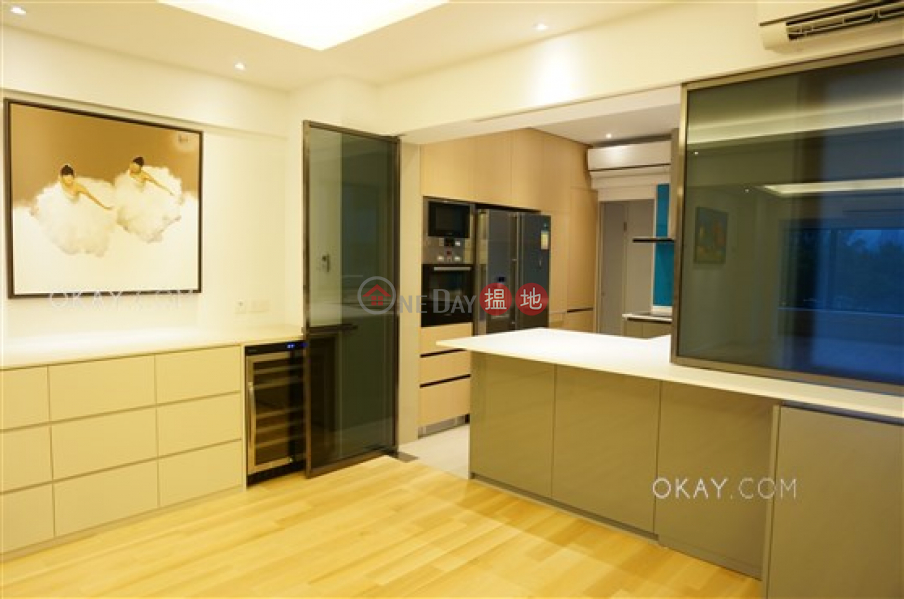 Efficient 3 bedroom with harbour views   Rental   Victoria Court 維多利大廈 Rental Listings