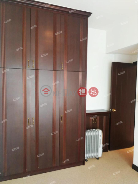 Property Search Hong Kong | OneDay | Residential | Rental Listings, Sorrento Phase 2 Block 1 | 3 bedroom Low Floor Flat for Rent