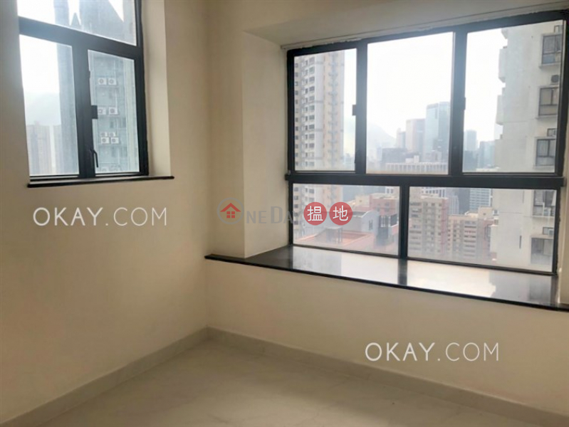 HK$ 12.7M, Illumination Terrace, Wan Chai District | Nicely kept 2 bedroom on high floor | For Sale