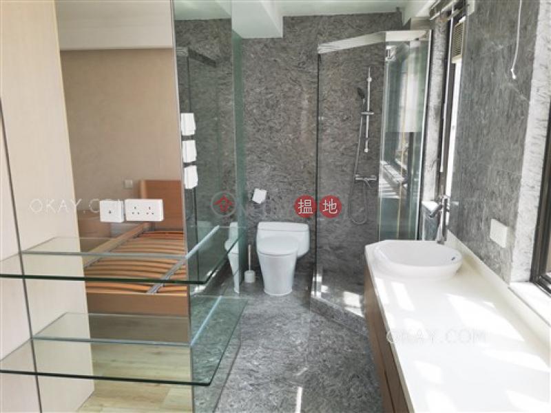 HK$ 85,000/ 月 羅便臣道1A號 中區-3房2廁,極高層,連租約發售,連車位《羅便臣道1A號出租單位》