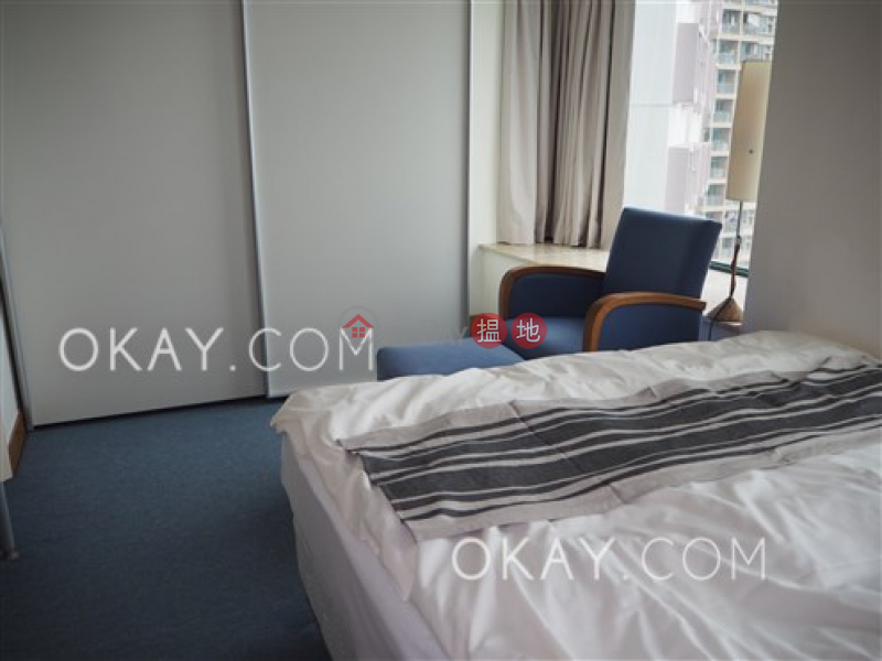 HK$ 32,000/ month Manhattan Heights Western District Tasteful 1 bedroom in Western District | Rental