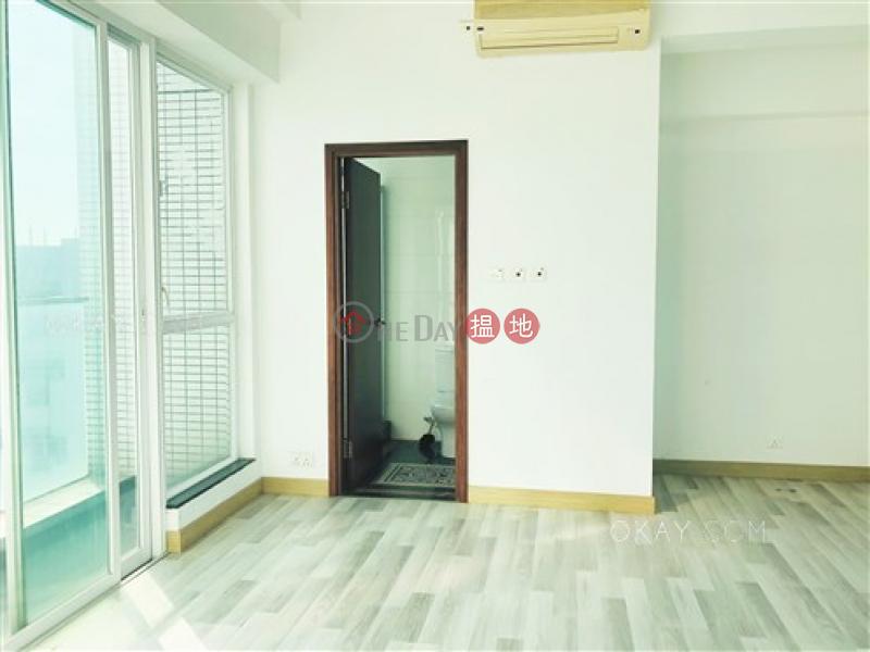 HK$ 33,200/ month, One Kowloon Peak Tsuen Wan Gorgeous 4 bedroom with balcony & parking | Rental