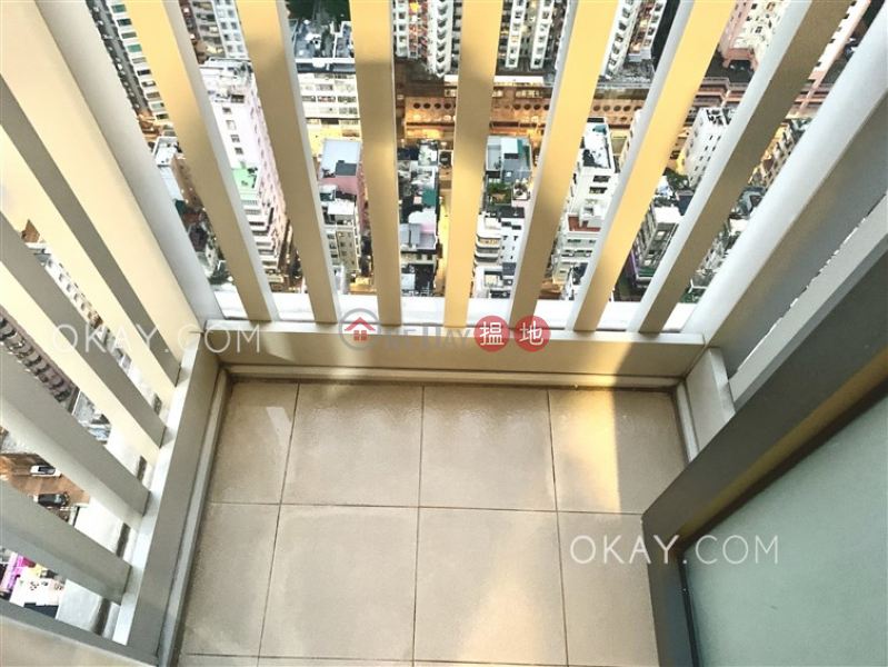 Stylish 2 bed on high floor with harbour views | For Sale | Warrenwoods 尚巒 Sales Listings