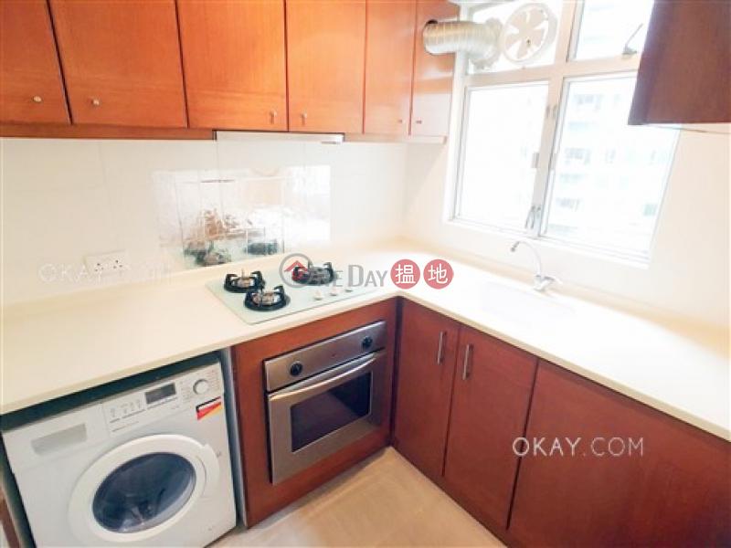 HK$ 14M, Sherwood Court, Western District, Nicely kept 2 bedroom on high floor | For Sale