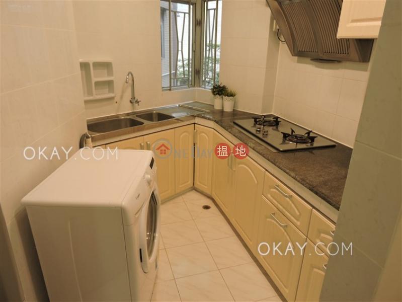 2房2廁,實用率高,可養寵物,露台《正大花園出租單位》-27羅便臣道 | 西區香港-出租HK$ 27,000/ 月