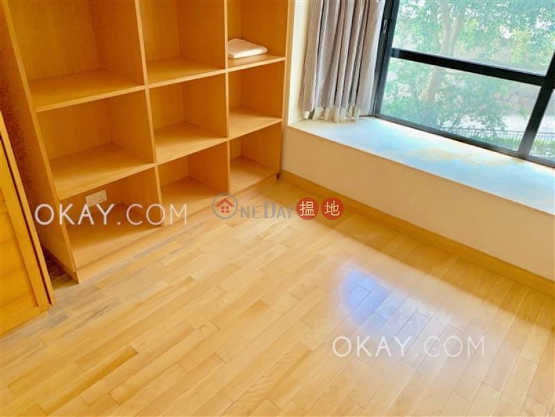 HK$ 22.38M, Flourish Court | Western District, Popular 3 bedroom on high floor with parking | For Sale