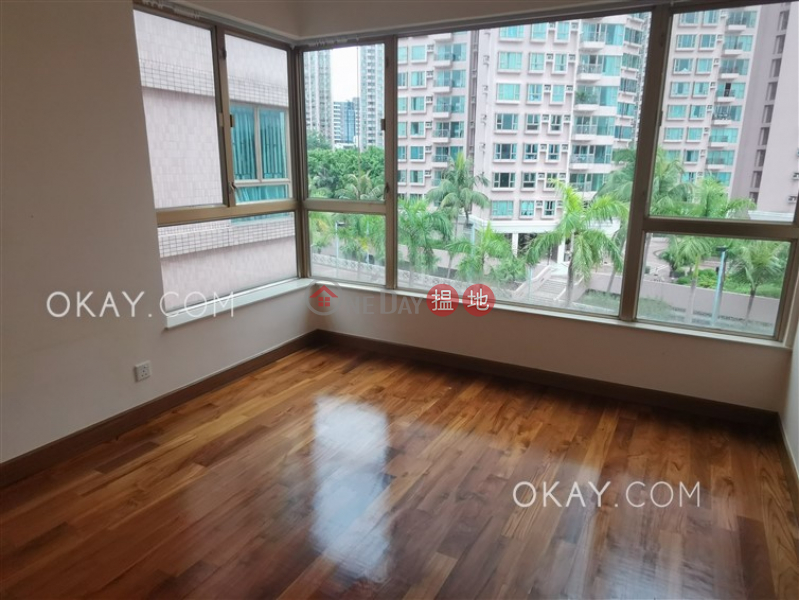 HK$ 48,000/ month | Hong Kong Gold Coast Block 29 Tuen Mun | Rare 3 bedroom with balcony & parking | Rental