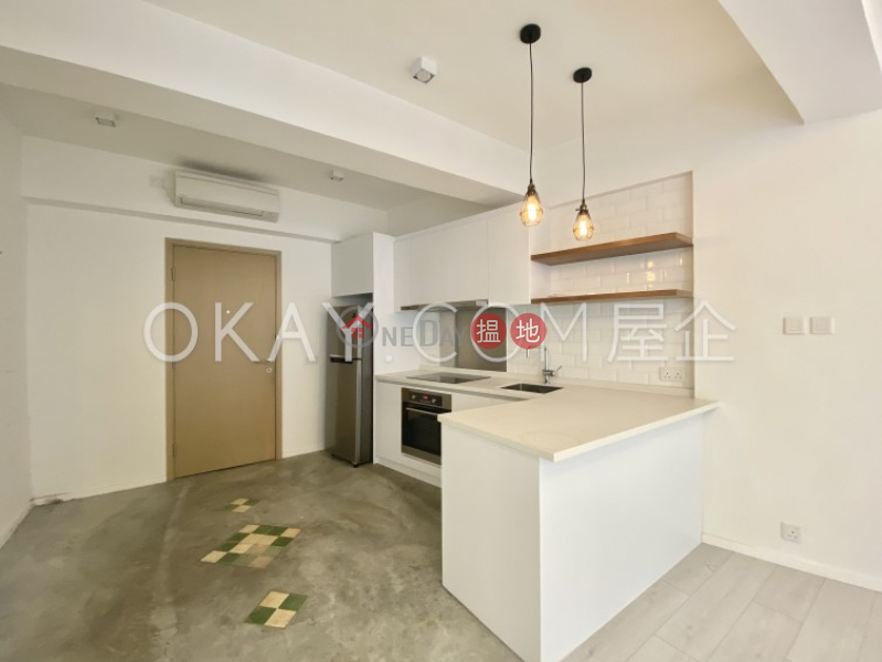 Generous in Sheung Wan   Rental, Hollywood Building 荷李活大樓 Rental Listings   Central District (OKAY-R102364)