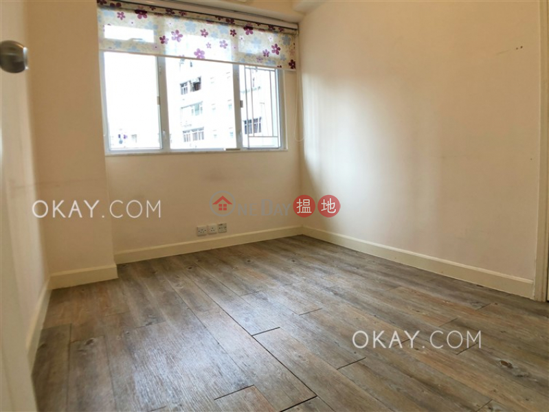HK$ 45,000/ month | Silver Star Court, Wan Chai District | Efficient 3 bedroom with balcony & parking | Rental