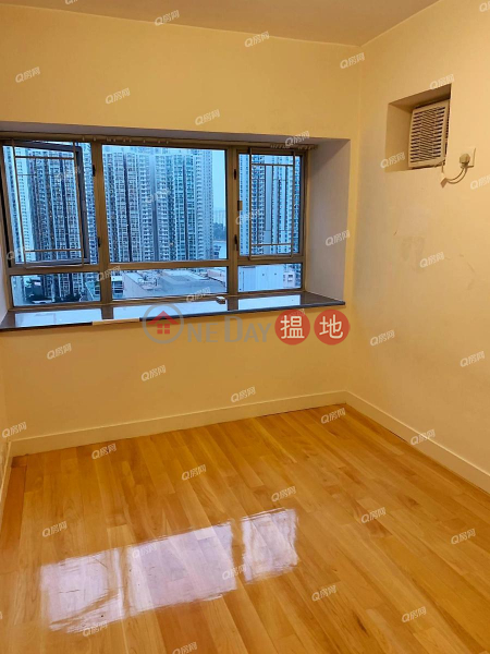 Property Search Hong Kong | OneDay | Residential, Rental Listings, South Horizons Phase 4, Cambridge Court Block 33A | 3 bedroom Mid Floor Flat for Rent