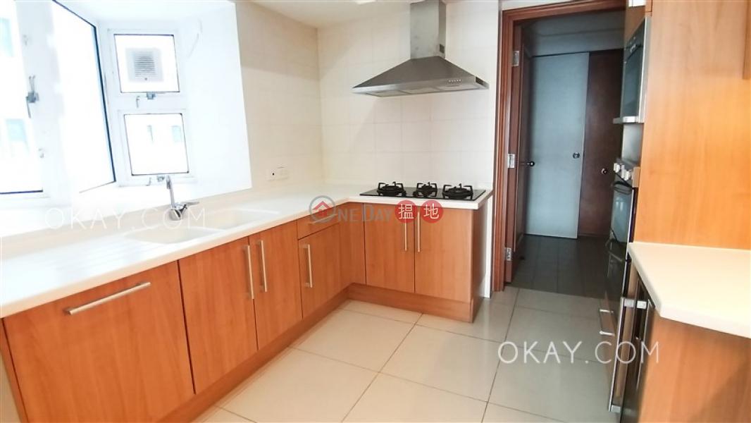 Stylish 4 bedroom with sea views, balcony   Rental   Block 3 ( Harston) The Repulse Bay 影灣園3座 Rental Listings