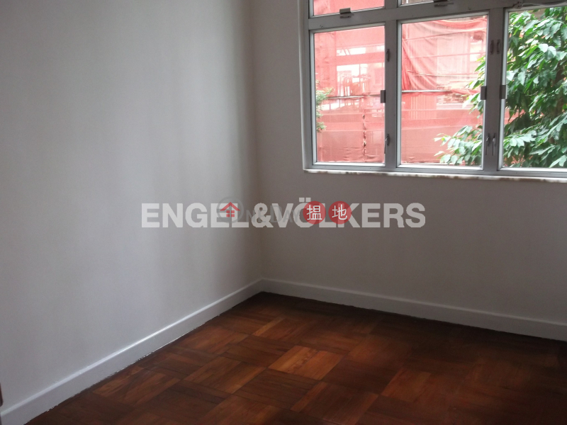 HK$ 33,000/ month Tak Mansion | Western District 3 Bedroom Family Flat for Rent in Mid Levels West
