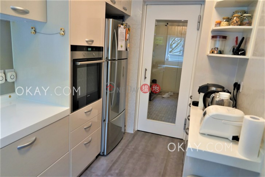 HK$ 38.8M, Phase B Village Gardens | Kowloon Tong, Lovely house with balcony & parking | For Sale