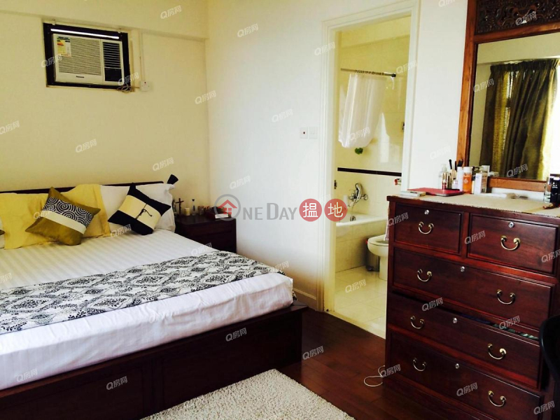 Block 32-39 Baguio Villa | 3 bedroom High Floor Flat for Sale 550 Victoria Road | Western District | Hong Kong, Sales, HK$ 31.8M