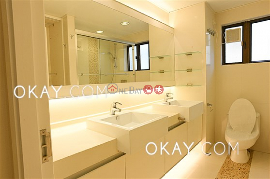 HK$ 160,000/ month Evergreen Garden | Southern District | Beautiful house with terrace & parking | Rental