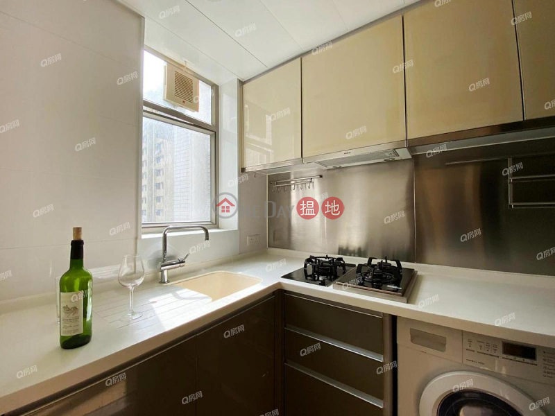 HK$ 31,000/ month, Island Crest Tower 1 | Western District, Island Crest Tower 1 | 2 bedroom Low Floor Flat for Rent