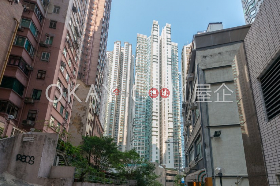 HK$ 18.5M | Goldwin Heights | Western District | Stylish 3 bedroom on high floor | For Sale