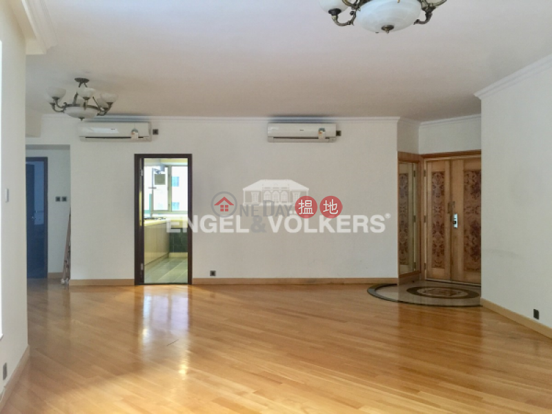 HK$ 42M | Tregunter | Central District, 3 Bedroom Family Flat for Sale in Central Mid Levels