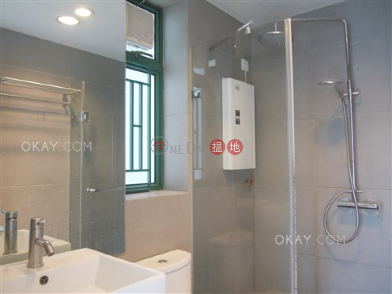 Cozy 2 bedroom in Mid-levels West | Rental | Scholastic Garden 俊傑花園 Rental Listings