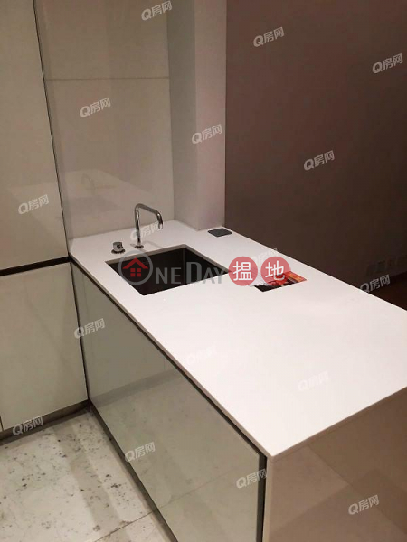 HK$ 13M The Gloucester Wan Chai District, The Gloucester | 1 bedroom Mid Floor Flat for Sale