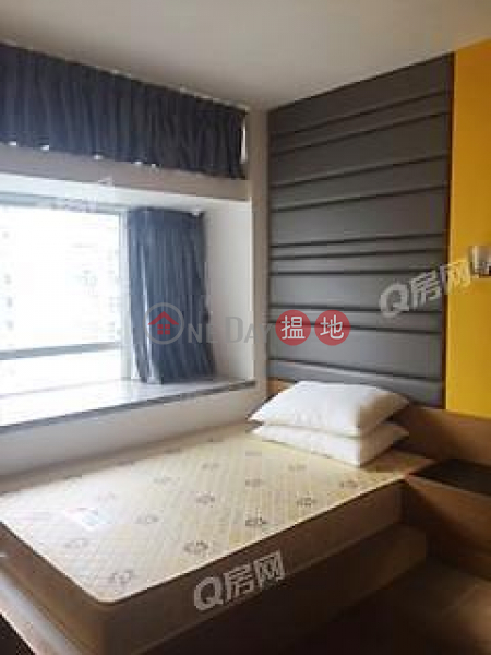 Property Search Hong Kong | OneDay | Residential | Rental Listings, South Horizons Phase 2, Yee Moon Court Block 12 | 3 bedroom High Floor Flat for Rent