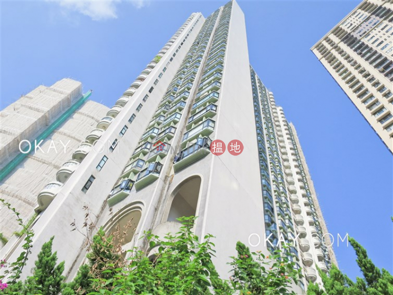 Property Search Hong Kong | OneDay | Residential | Sales Listings | Exquisite 3 bedroom with balcony & parking | For Sale