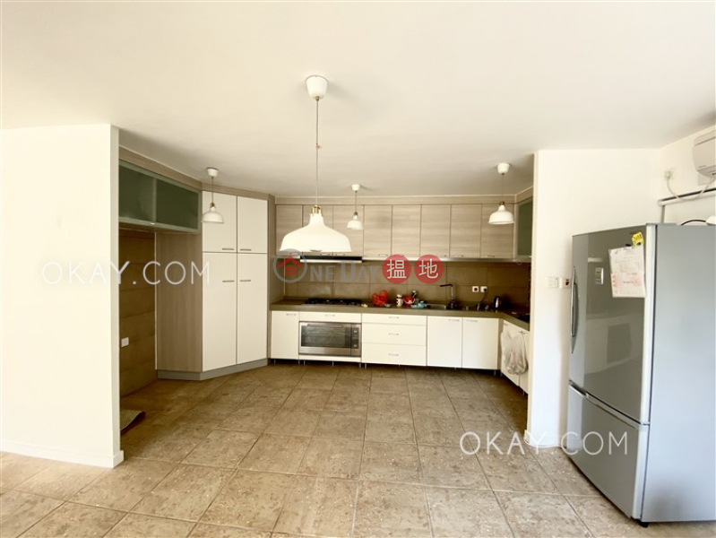 Nicely kept house with rooftop, terrace & balcony   Rental, Lobster Bay Road   Sai Kung Hong Kong   Rental HK$ 53,000/ month