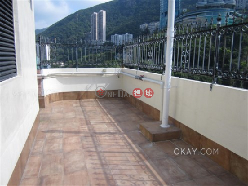 HK$ 39M Village Garden | Wan Chai District, Rare 3 bedroom on high floor with rooftop & parking | For Sale