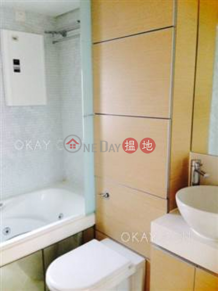 Luxurious 3 bedroom with balcony | For Sale, 108 Hollywood Road | Central District | Hong Kong | Sales | HK$ 17.5M
