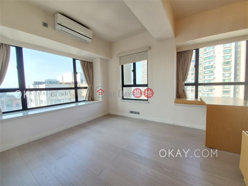 Charming 2 bed on high floor with harbour views | For Sale | Valiant Park 駿豪閣 Sales Listings