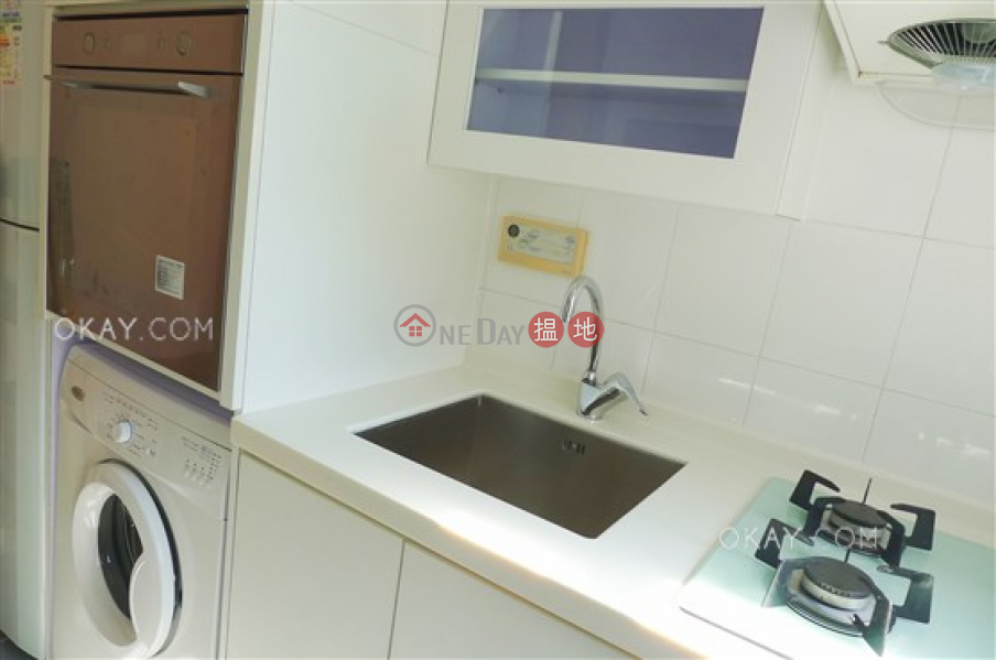 HK$ 55,000/ month, The Grand Panorama, Western District, Popular penthouse with rooftop | Rental