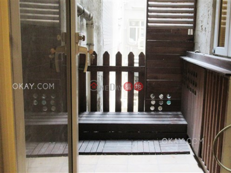 HK$ 9.5M | Lok Go Building, Wan Chai District, Intimate 1 bedroom with terrace | For Sale