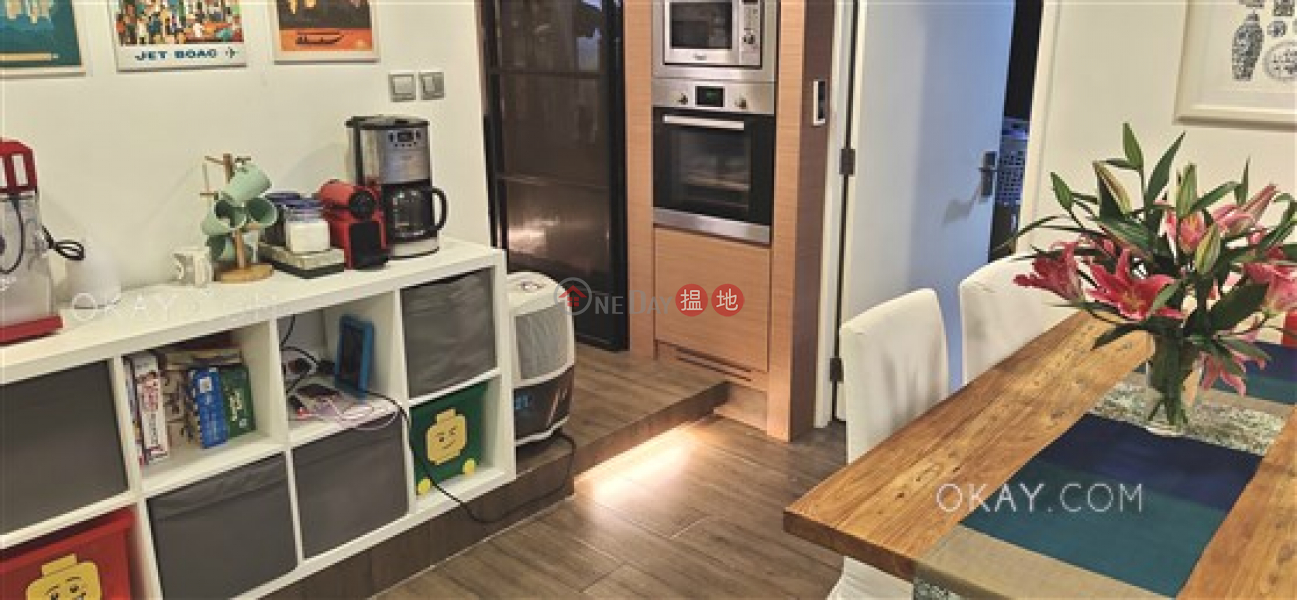 HK$ 38,000/ month, Sussex Court | Western District, Nicely kept 4 bedroom with terrace & balcony | Rental