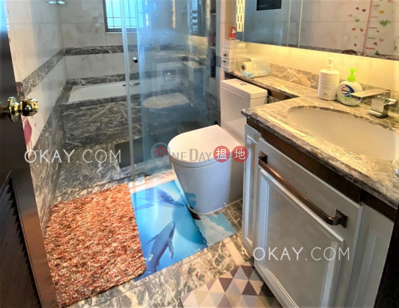 Luxurious 4 bedroom with balcony   For Sale   Mayfair by the Sea Phase 1 Lowrise 11 逸瓏灣1期 低座11座 Sales Listings