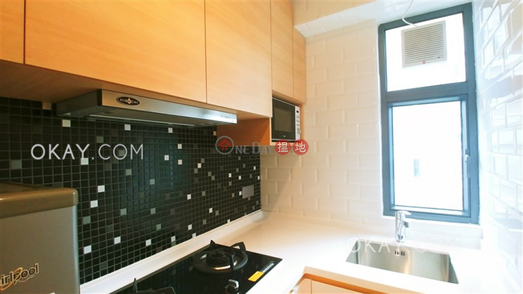 Unique 2 bedroom on high floor with sea views | Rental 71-77 Hill Road | Western District | Hong Kong | Rental | HK$ 28,700/ month