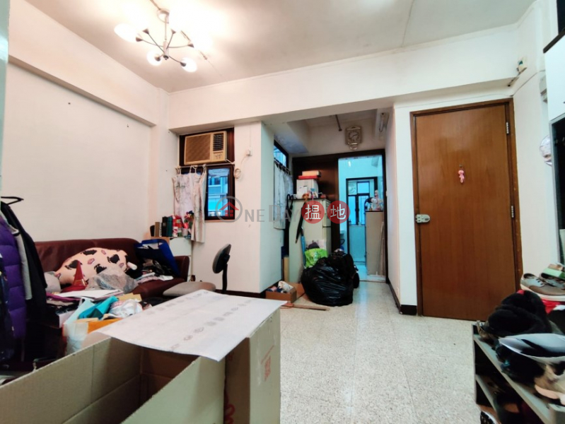 Walk Up on Burd Street, Convenient Location w/ lot of good restaurants nearby, close to MTR station | 17 Burd Street 畢街17號 Sales Listings