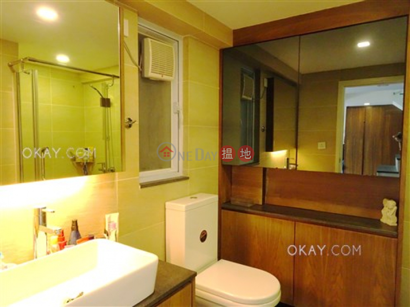 Nicely kept house with rooftop, terrace & balcony | For Sale | Pak Shek Terrace 白石臺 Sales Listings