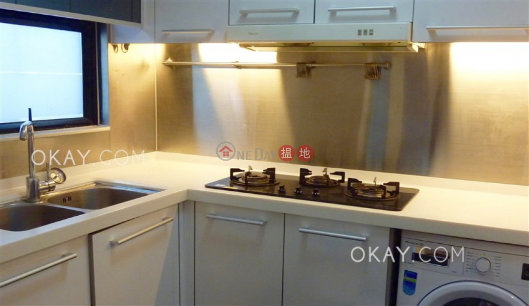 Elegant 2 bedroom with parking | For Sale | Richery Garden 德信花園 Sales Listings