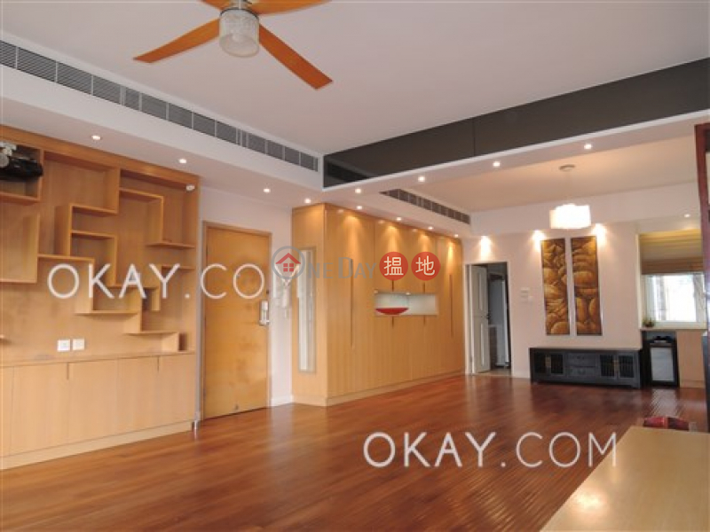 HK$ 31M Fulham Garden Western District | Efficient 3 bedroom with balcony & parking | For Sale