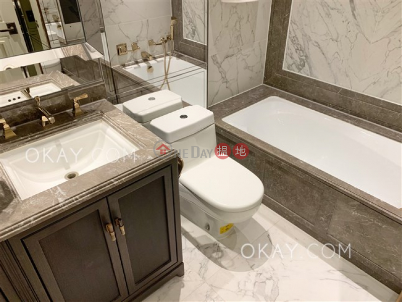 HK$ 28,000/ month Castle One By V, Western District, Practical 2 bedroom with balcony | Rental