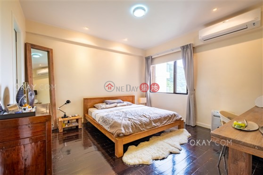Unique 3 bedroom on high floor with balcony & parking | For Sale, 21A-21D Repulse Bay Road | Southern District Hong Kong, Sales, HK$ 73M
