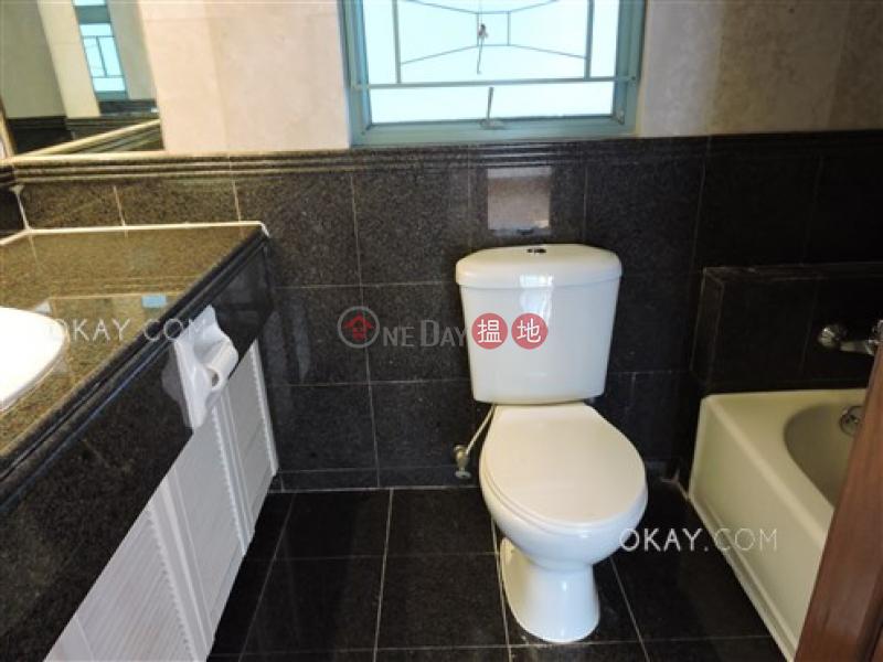 3房2廁,極高層,星級會所《高雲臺出售單位》 2西摩道   西區 香港出售HK$ 2,280萬